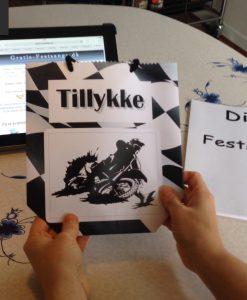 Lækker sangskjuler eller gave pose til konfirmation uden at rulle sangene på www.gratis-festsange.dk